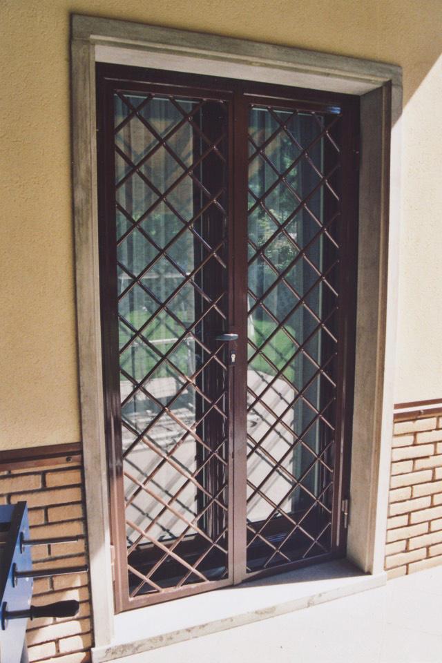 Bottici e serrini inferriate - Porte finestre in ferro ...